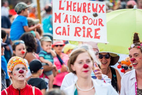 Grande parade des clowns en milieu de soins au Grand Bornand